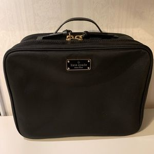 Medium Kate Spade Makeup Bag